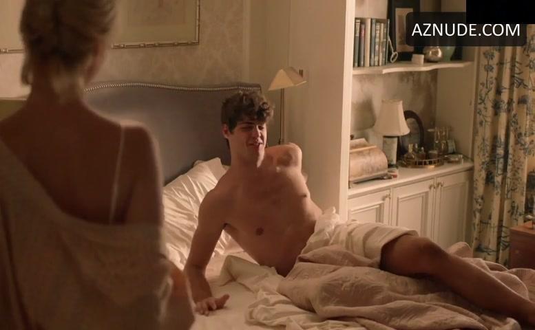 Noah centineo nudes